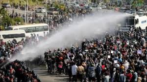 Membandingkan Taktik Pembangkangan Sipil Myanmar dengan Demo 1998 di Indonesia